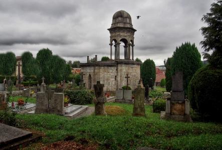 Boží hrob na Františkánském hřbitově Votice_5