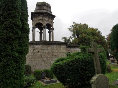 Boží hrob na Františkánském hřbitově Votice_7