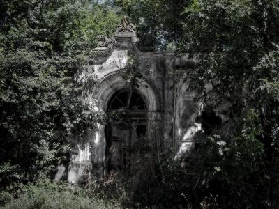 Hrobka v Kanicích