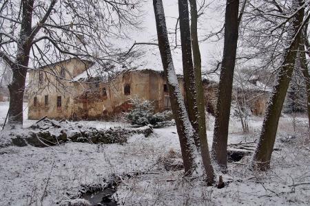 Starý zámek Jemniště.